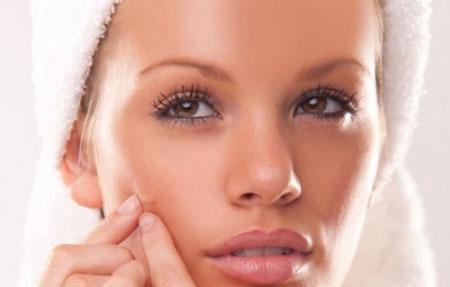 Phòng tránh và trị sẹo lõm tại nhà - Không nặn mụn khi mụn chưa già