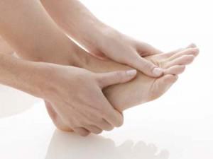 Cách nào xóa sẹo thâm ở chân an toàn và triệt để nhất hiện nay?