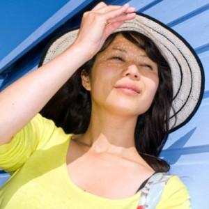Sau trị sẹo lõm bằng cấy da siêu vi điểm có cần tránh nắng không?