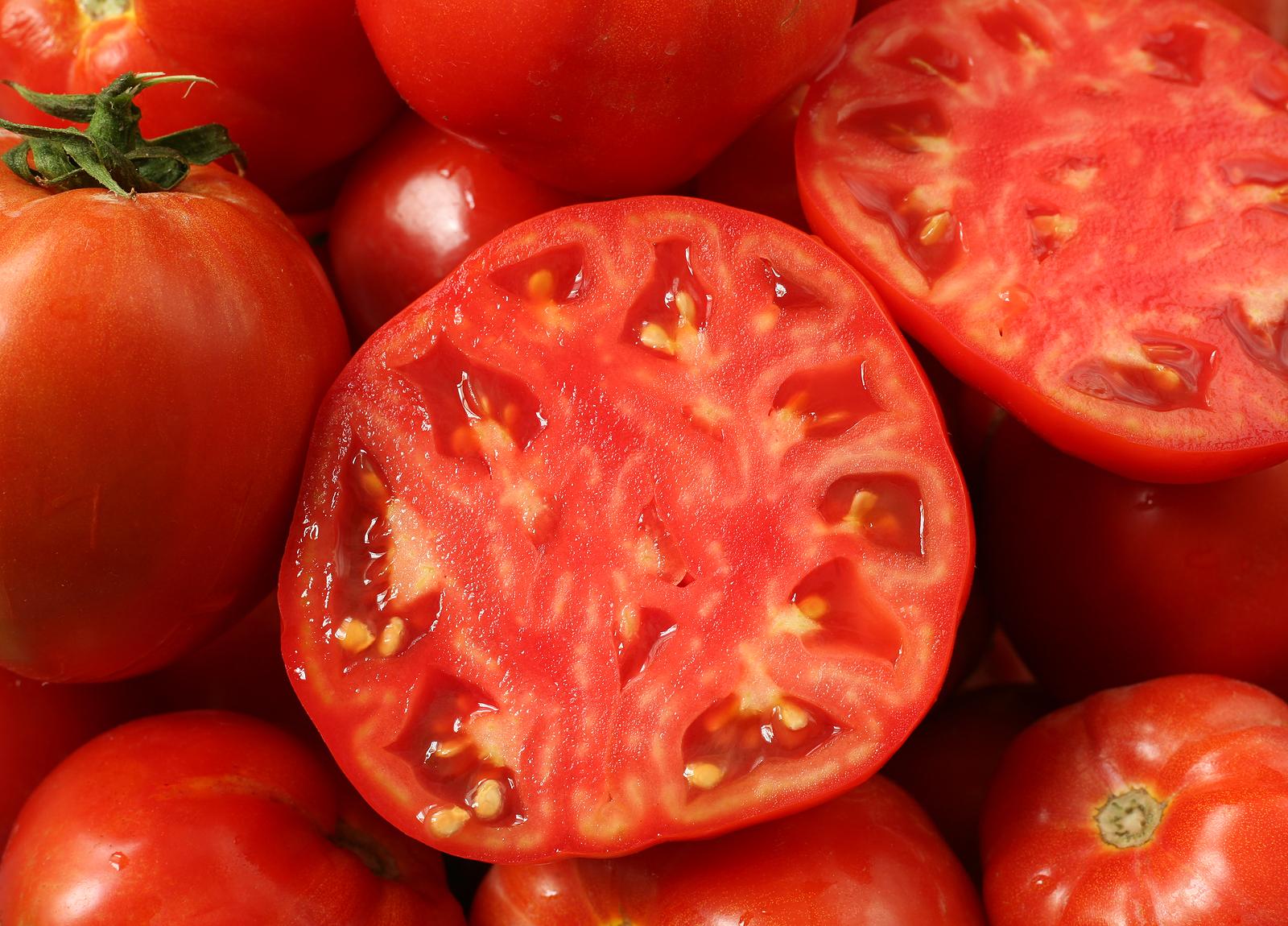 Khám phá bí quyết trị sẹo mụn hiệu quả với cà chua 2