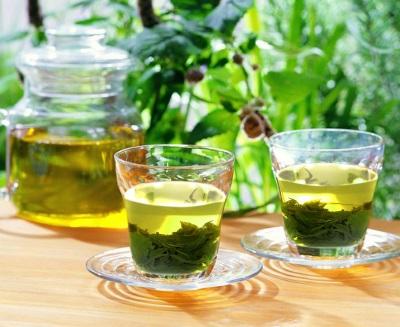 Tinh dầu trà xanh có khả năng làm sáng da vùng sẹo