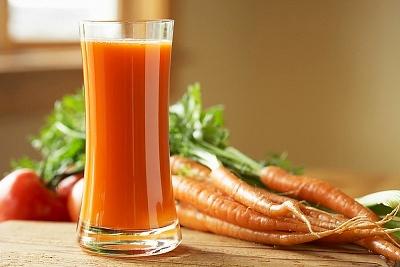 Trị sẹo mụn trứng cá bằng nước ép củ cà rốt