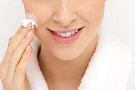 Những lưu ý để sử dụng thuốc trị sẹo lõm hiệu quả 1