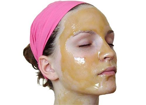 Massage trị sẹo thâm với tinh dầu oliu 4