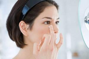 Kem mờ sẹo thâm có thể lột tẩy, gây hại da