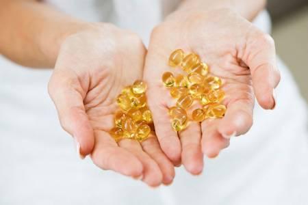 Trị sẹo lõm lâu năm tại nhà bằng vitamin E